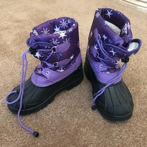 Girls size 4 snow boots